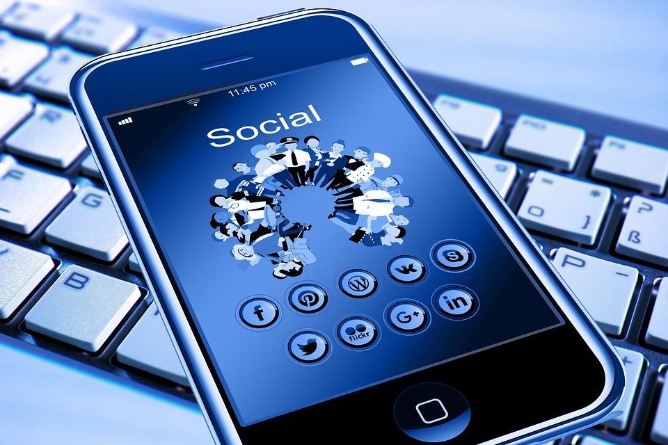 ¿Es nocivo el uso del móvil por los empleados en las empresas?