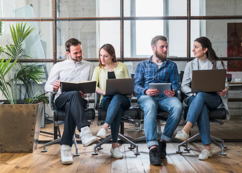 Cómo-trabajar-con-las-nuevas-generaciones-de-trabajadores-millennials-y-centennials